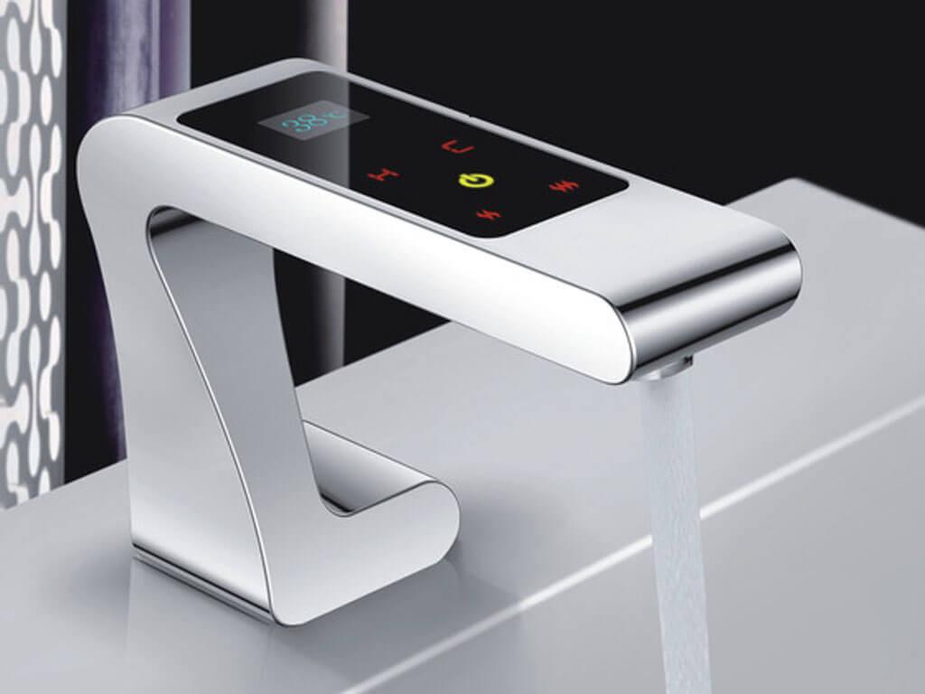 Савино сенсорный смеситель с дисплеем