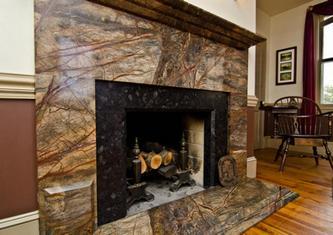 Отделка печей и каминов мрамором и гранитом